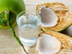 agua de coco para adelgazar