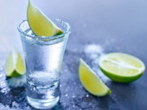 tequila beneficios y contraindicaciones