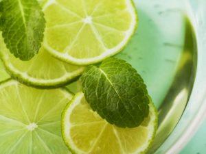 beneficios de la menta y el limon